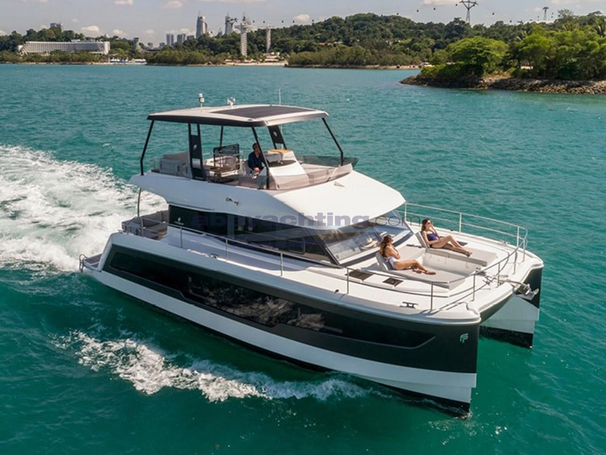 New arrival power catamaran Fountaine Pajot MY 40
