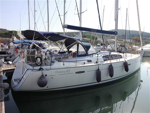 New price Beneteau Oceanis 43